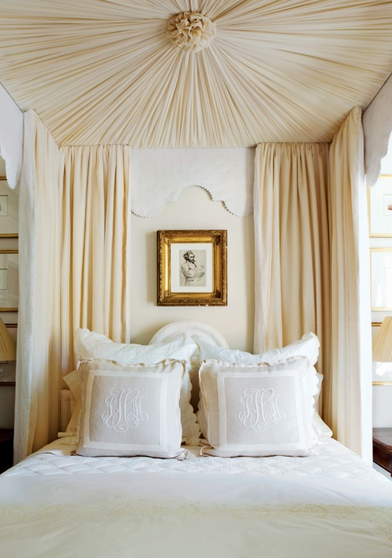 canopy-bed-from-the-decorista